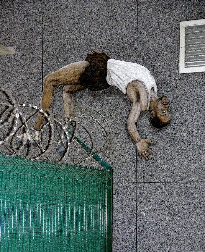 Street Art Paris Levalet Le Grand Saut